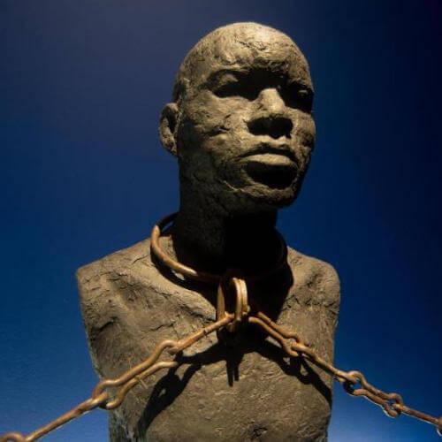 Sklavendenkmal zur Erinnerung an die dunkle Geschichte.