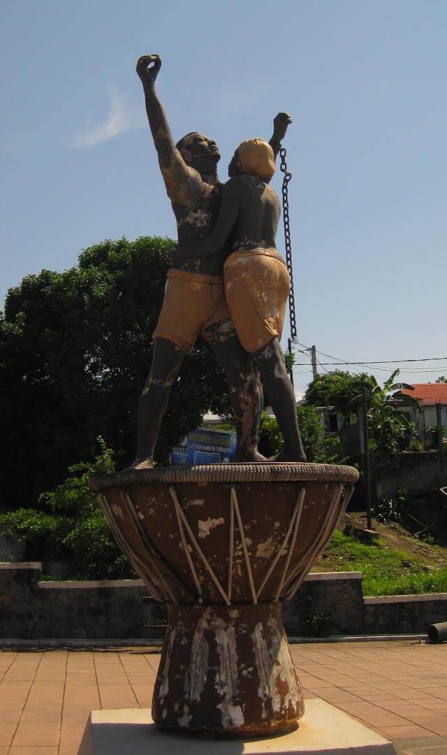 Denkmal zur Befreiung der Sklaven, Teil der dunklen Geschichte von Guadeloupe