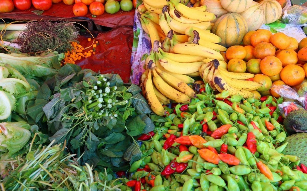 Land und Leute - Gemüse auf karibischem Markt