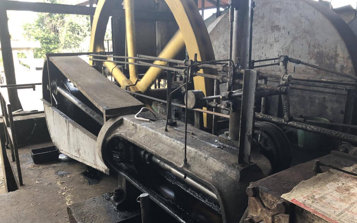Aufbau der Maschinen zur Rhum Agricole Produktion.
